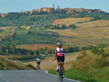Slow Tour Tuscany - DOWNHILL FROM THE FOREST INTO THE CITY