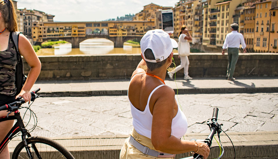 Slow Tour Tuscany - VIP ART BY BIKE SMALL GROUP DAY OR NIGHT